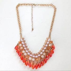 NWOT Shimmering Bib Necklace